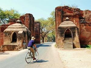 Myanmar rondreis: fietsen tussen de tempels