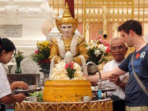 Birma reizen: offer brengen