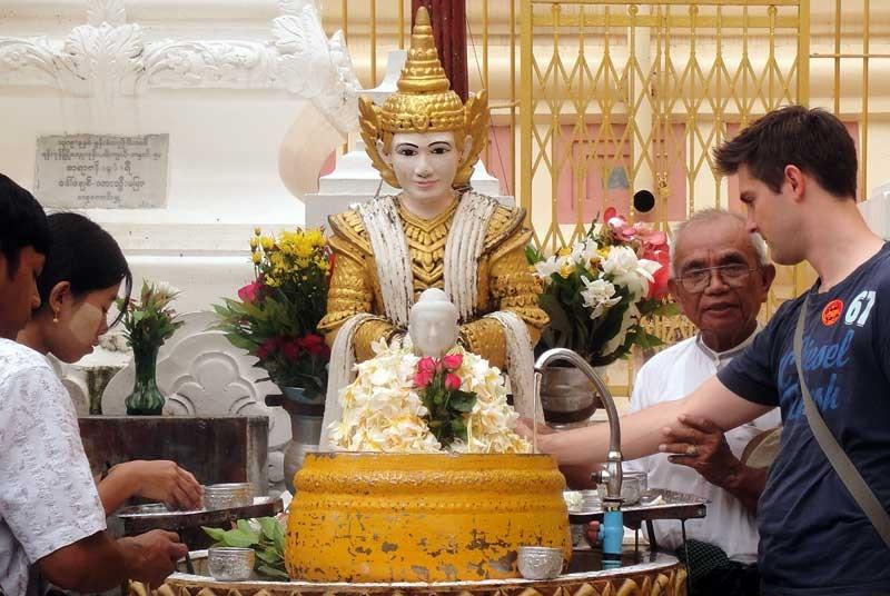Myanmar vakantie bidden