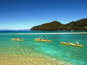 Neuseeland- abel-tasman-exploring-by-sea