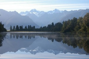 Lake Matheson in der Nähe des Fox Gletschers