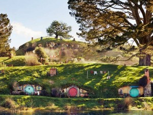 Blick auf das Filmset in Hobbiton