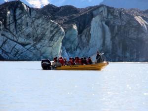 Eine Bootstour auf dem Gletschersee