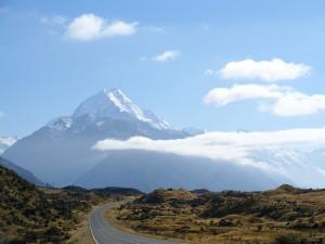 Blick auf den schneebedeckten Gipfel des Mount Cook