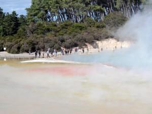 Neuseeland-rotorua-dampf-schwefelsee