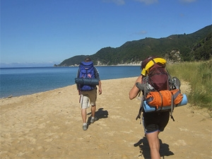 Wandern am Strand vom Abel-Tasman-Nationalpark