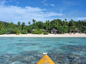 Boot am Strand von Fiji