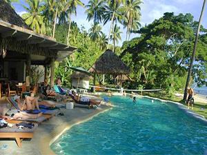 Pool am Strand auf Fidschi