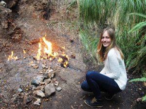 Flammen aus der Erde