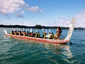 "traditionelles Kriegskanu ""Maori Waka"", Bay of Islands"