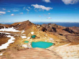 Beim Tongariro Alpine Crossing kommen Sie auch an den Emerald Lakes vorbei