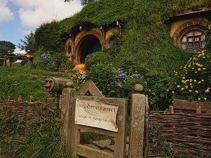 Bilbo Beutlins Höhle beim Hobbiton-Movie-Set - Herr der Ringe Drehorte