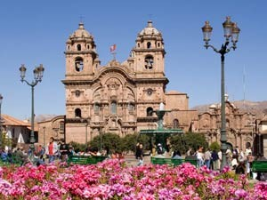 Plaza de Armas in Cusco bei Peru Bolivien Chile Rundreise