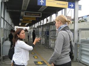 citytour-lima-guide-touristin