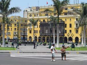 Regierungsgebäude in Lima bei Peru Rundreise