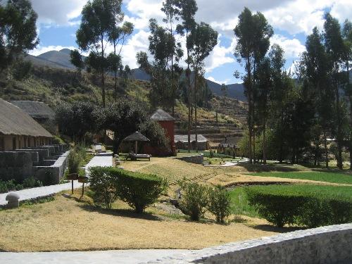 Garten der Komfortunterkunft im Colca Tal