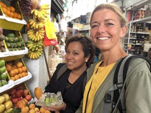 Marktbesuch in Miraflores bei Peru Highlights Rundreise