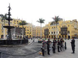Polizisten in Lima