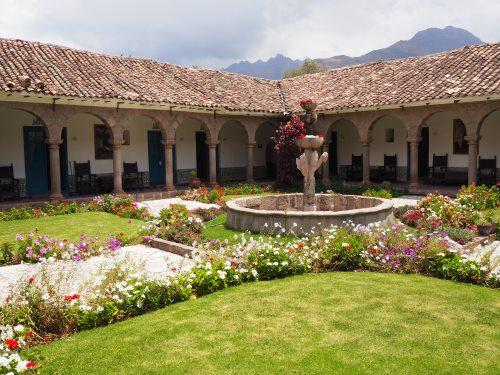 Historisches Kloster in Urubamba