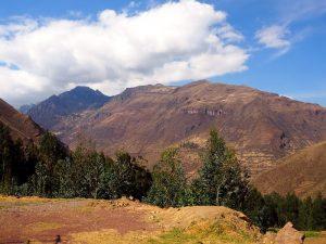 peru-mit-kindern-heiliges-tal-landschaft