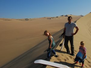 Familie in der Huacachina Oase