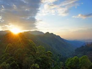 Wandelen in Sri Lanka Ella - zonsondergang