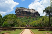 Tempelruïnes, olifanten en kokosstrand