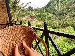 Sri Lanka regenwoud voetjes balkon