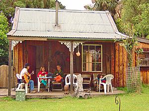 banks peninsula hut nieuw zeeland