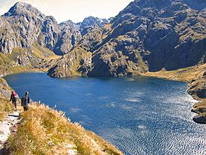 routeburn lake wandelaars nieuw zeeland trekkingen