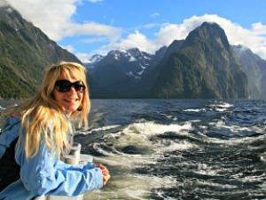 Watervallen en fjorden