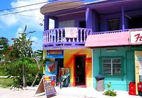 belize rondreis kleurrijke huizen