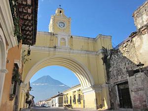 koloniale brug antigua stad guatemala