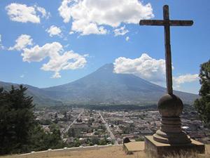 uitzicht vulkaan antigua guatemala