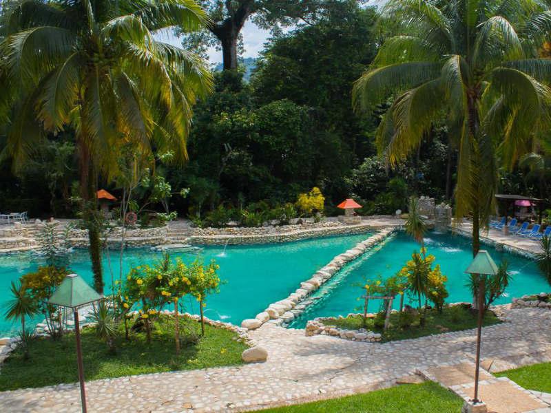 zwembad resort palenque