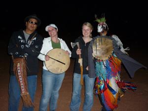 Musik und traditionelle Tänze bei den Indianern