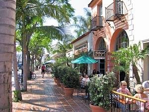 Gemütliche Cafés und Restaurants in der State Street von Santa Barbara