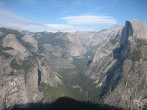 Aussichtspunkt über den Bergen des Yosemite Nationalparks