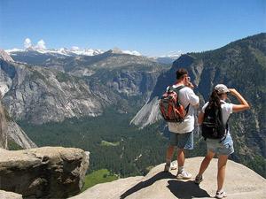 Auf dem Trail zwischen Bergen und Wasserfällen