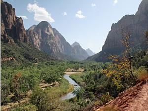 Fels- und Flusslandschaft im Zion Nationalpark