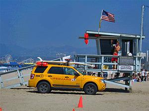 Wachturm am Strand von Los Angeles