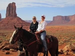 Ausflug mit Pferden im Monument Valley