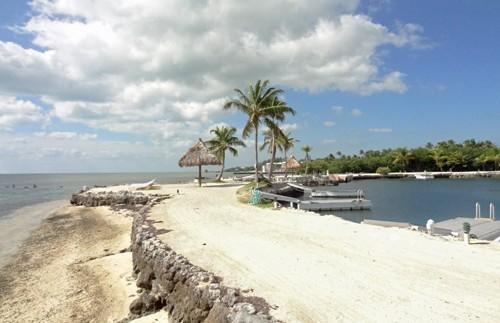 Der Strand nahe der Unterkunft