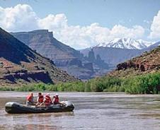 Stromabwärts auf dem Colorado River im Arches Nationalpark
