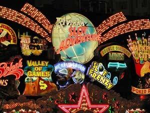 Las Vegas blinkt und glitzert die ganze Nacht