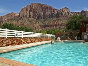 Der Pool Ihrer Unterkunft