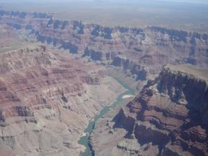 Blick aus dem Helikopter über den Grand Canyon