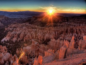 USA-Utah-Sonnenuntergang-am-Bryce-Canyon