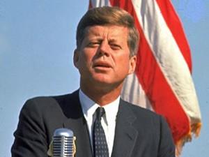 John F. Kennedy während einer Rede
