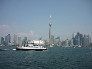 kanada-toronto-skyline-boot